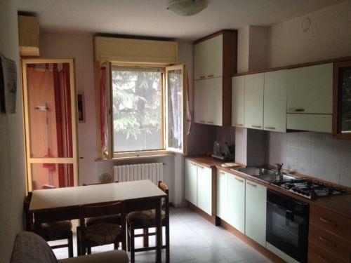 Euro casa srlcr agenzia immobiliare in crema for Piccola casa con avvolgente portico